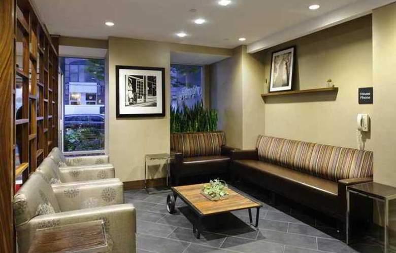 Hampton Inn Manhattan - Chelsea - Hotel - 3