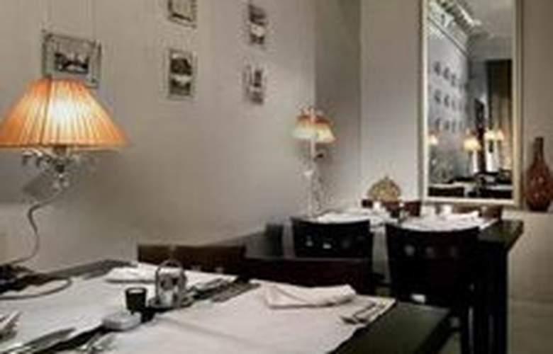 Brothers Karamazov - Restaurant - 2