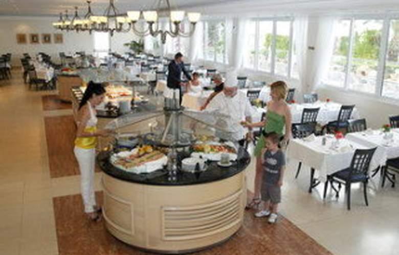 Louis Plagos Beach - Restaurant - 6
