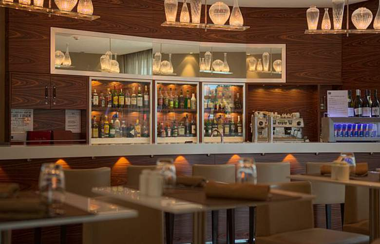 AC Hotel Ambassadeur Antibes - Juan les Pins - Bar - 21