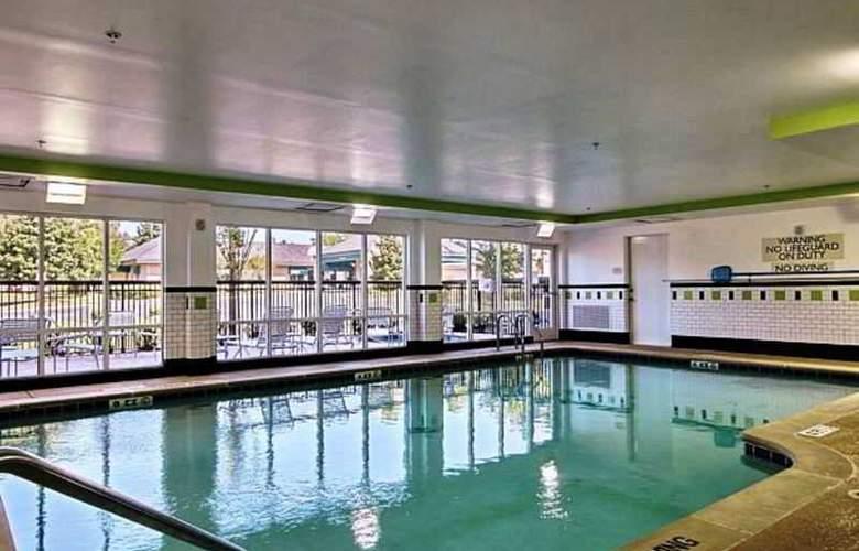 Fairfield Inn & Suites Augusta - Pool - 6