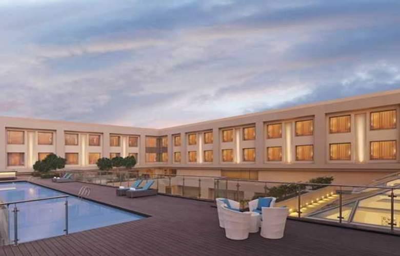 DoubleTree by Hilton Agra - Pool - 3