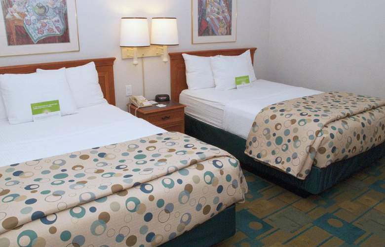 La Quinta Inn & Suites Orlando UCF - Room - 2