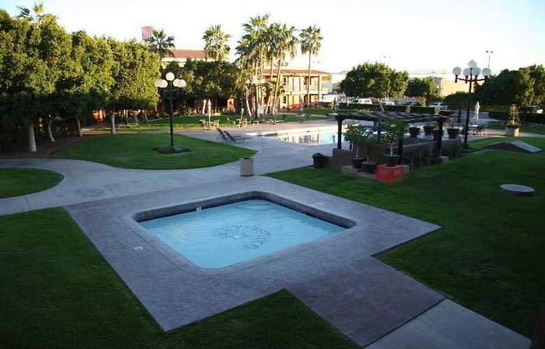 Colonial Mexicali - Pool - 19