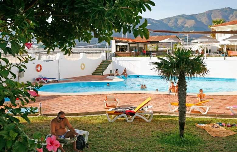 ELE La Perla - Pool - 3