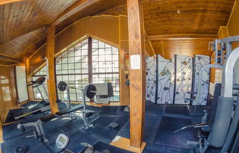 Predeal Comfort Suites - Sport - 14