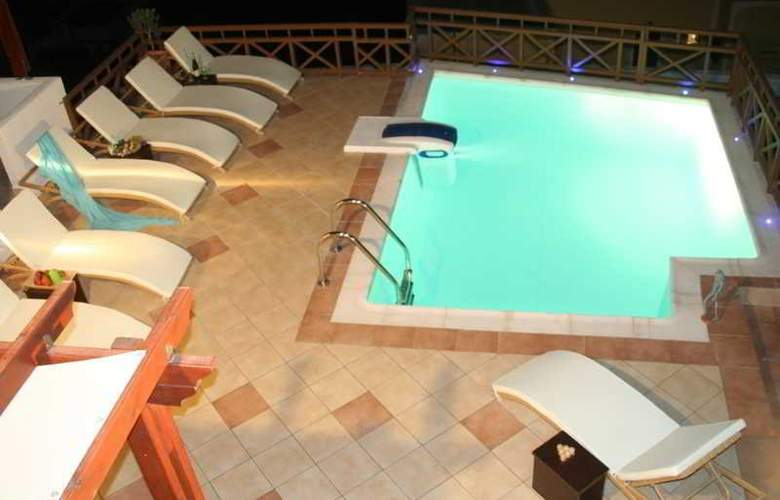 Amerisa Suites - Pool - 16