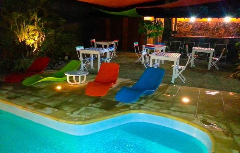 Sous Le Badamier - Pool - 14