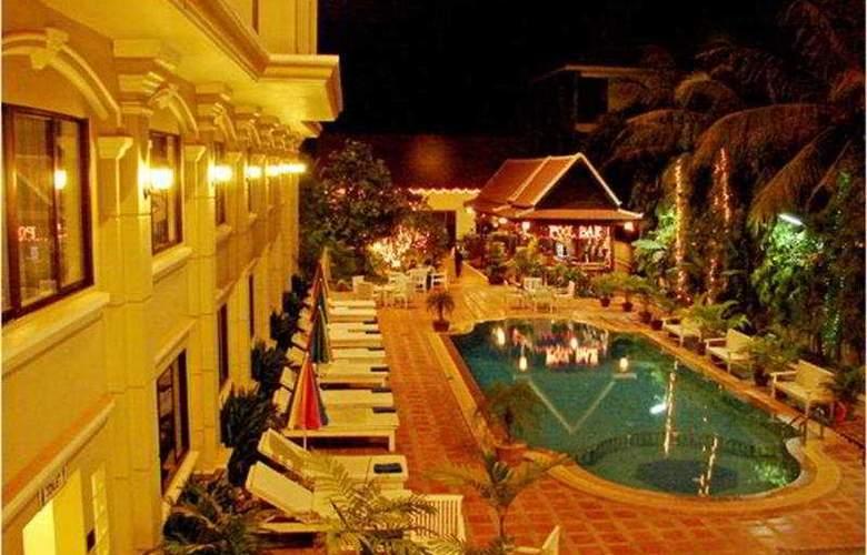 Monoreach Hotel Siem Reap - Pool - 4