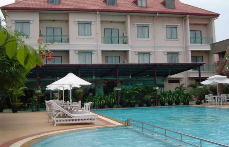 Imperial Garden Villa & Hotel Phnom Penh - Pool - 25