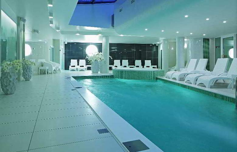 Wellton Centrum Hotel & SPA - Pool - 10