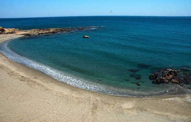 Patricia Hotel - Beach - 1