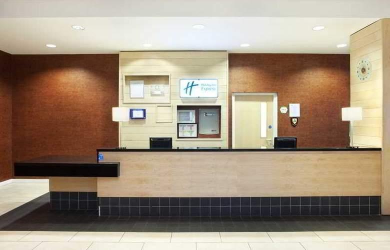 Holiday Inn Express Antrim - Hotel - 4