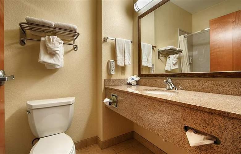Best Western Plus San Antonio East Inn & Suites - Room - 106