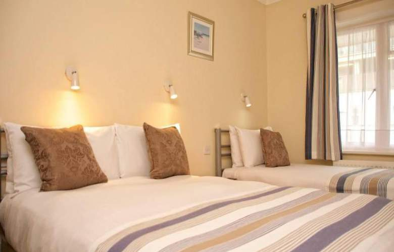 Riviera Hotel - Room - 5