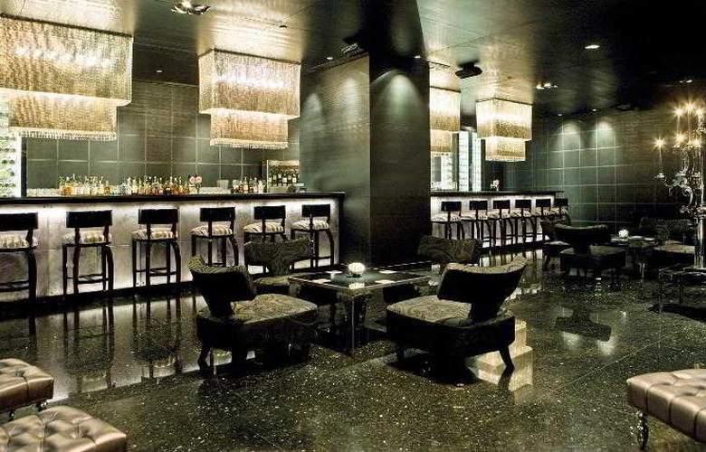 Le Meridien New Delhi - Bar - 3