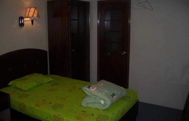 Tai Wan - Room - 8