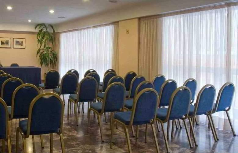 Leuka - Conference - 3