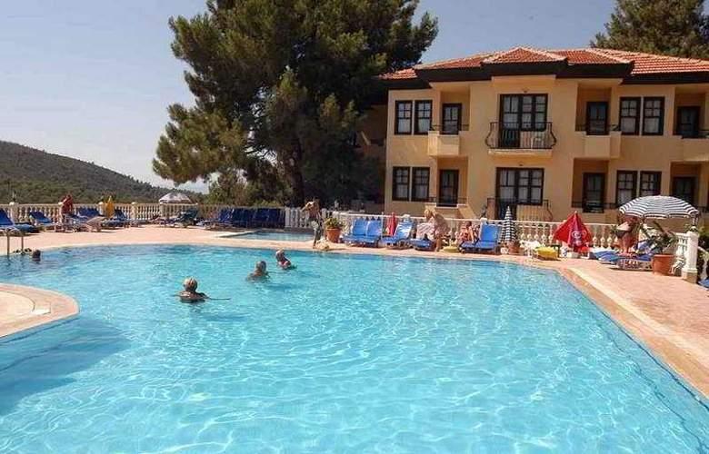 Leytur - Pool - 8