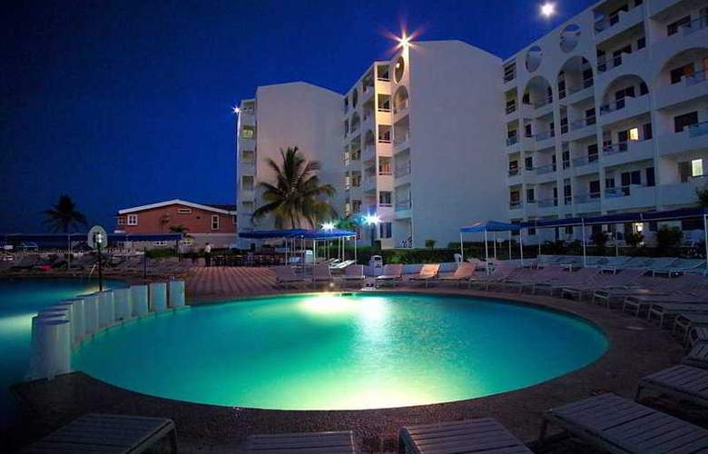 Aquamarina Beach - Pool - 6