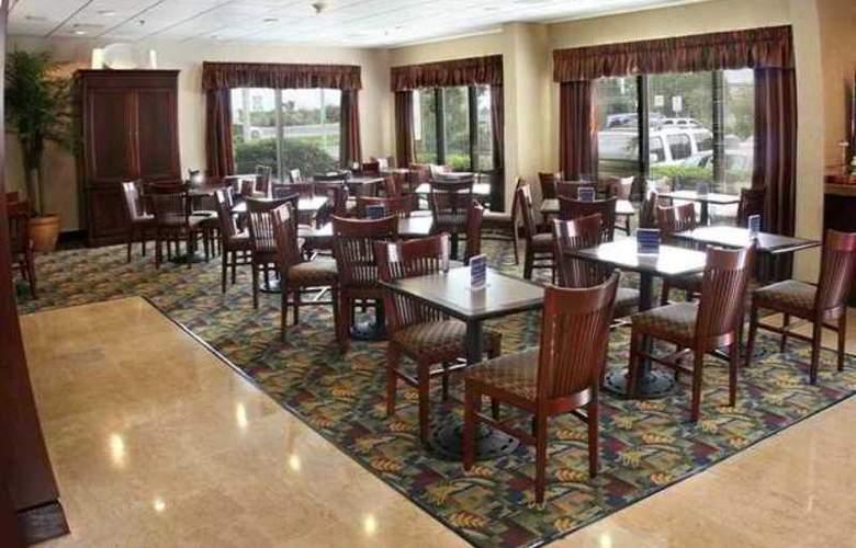 Hampton Inn Monterrey Aeropuerto - Hotel - 7