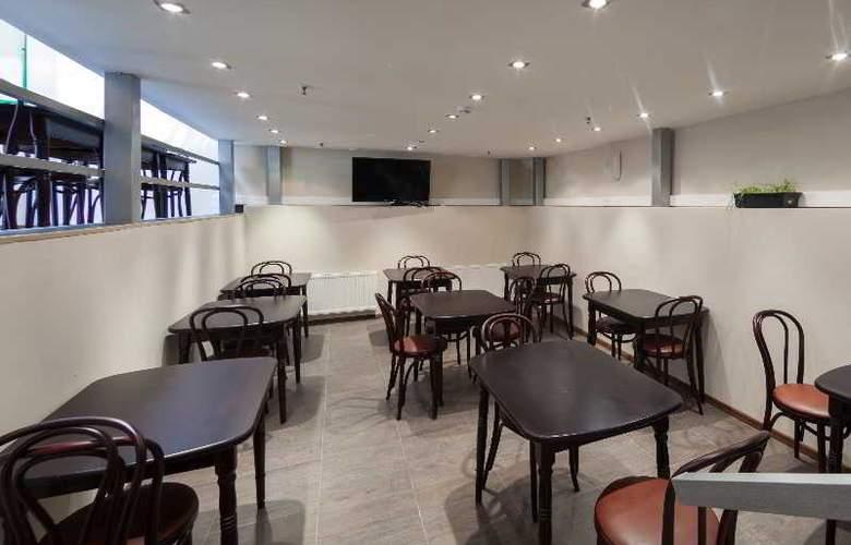 Privet Hostel - Bar - 19