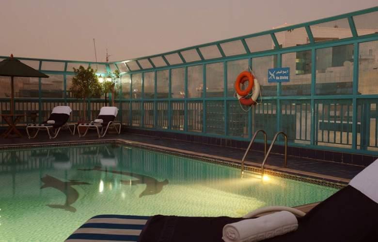 Fortune Apartment - Pool - 11