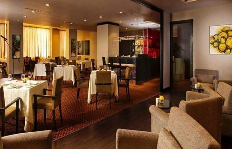 Impiana Hotel Ipoh - Bar - 6