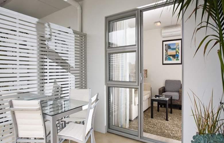 Sea Spray Suites - Terrace - 25