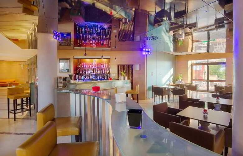 NH Bologna Villanova - Bar - 26