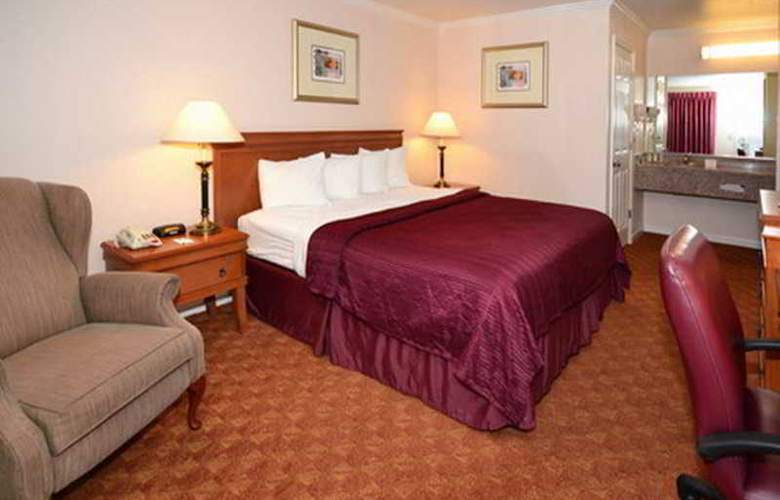 Quality Inn & Suites - Room - 1