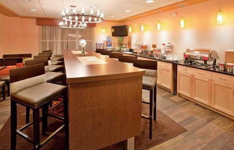 Hampton Inn Deadwood at Four Aces Casino - Restaurant - 12