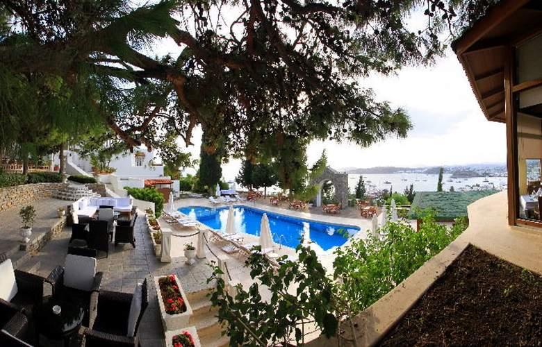 Manastir - Pool - 17