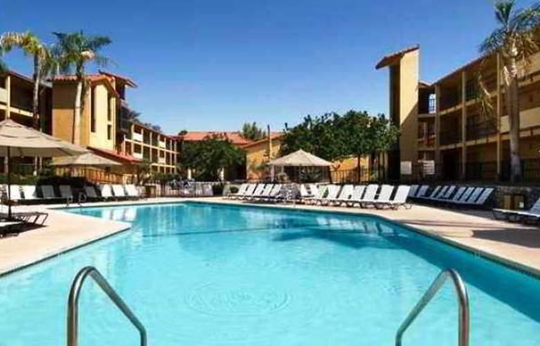 Embassy Suites Palm Desert - Pool - 6