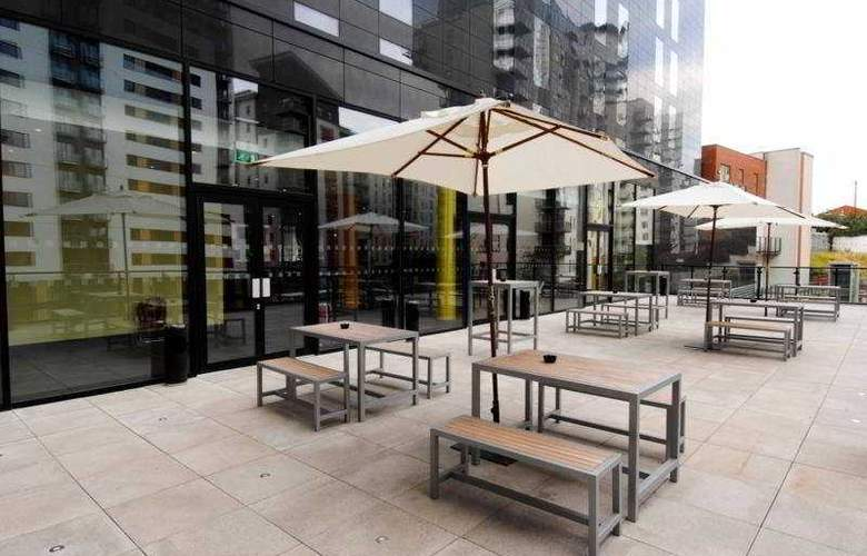 Park Inn by Radisson Manchester City Centre - Terrace - 9