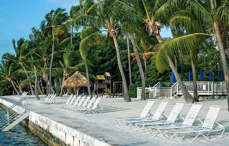 Hampton Inn & Suites Islamorada - Beach - 17