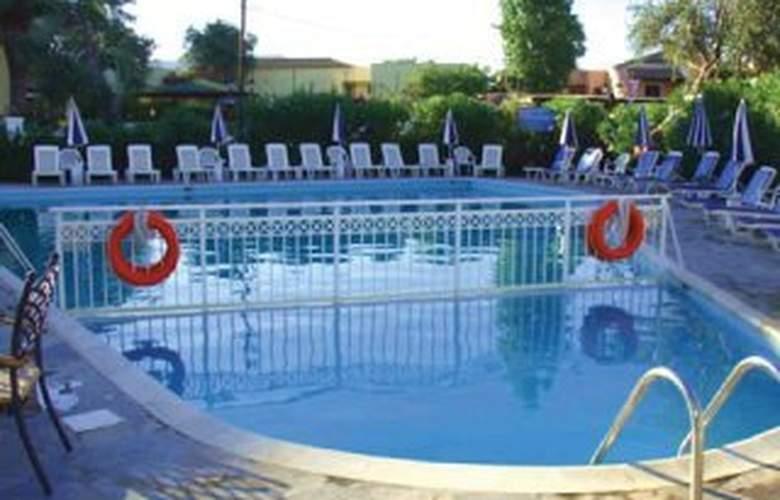 Gemini Hotel - Pool - 5