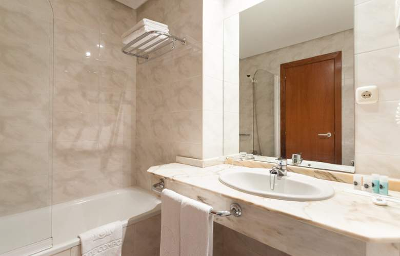Ciudad De Compostela - Room - 11