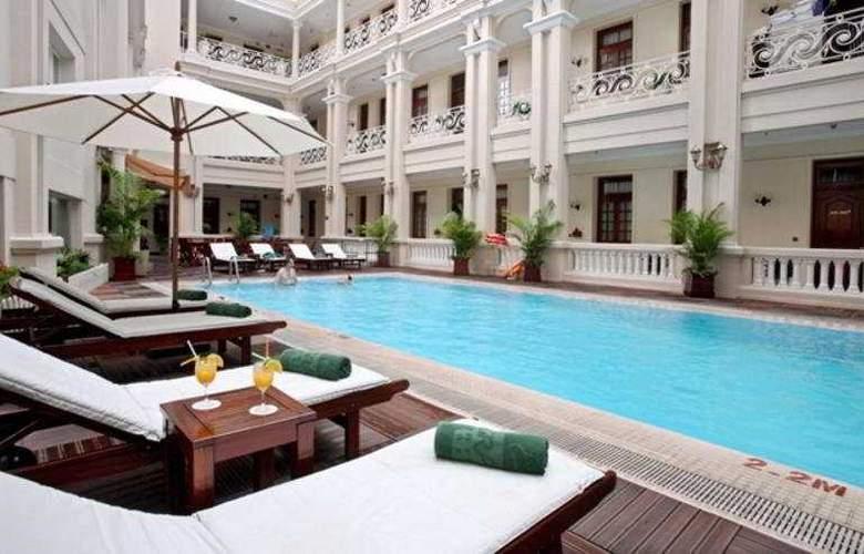 Grand Hotel Saigon - Pool - 2