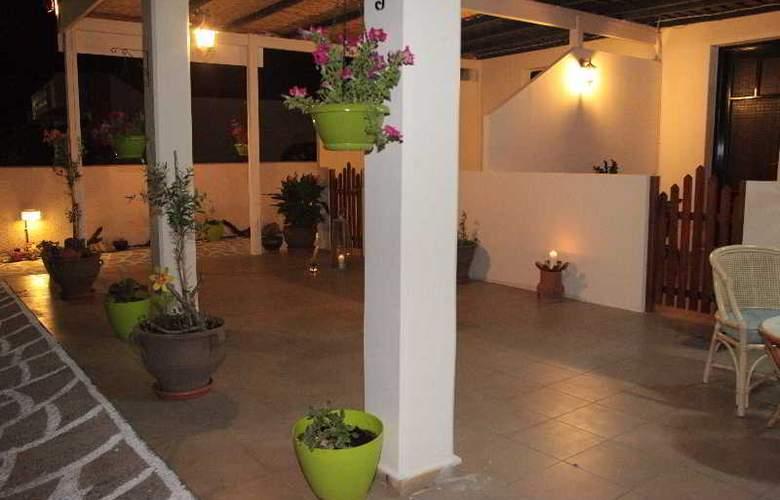 Elounda Olive Garden Apartments & Studios - Hotel - 3