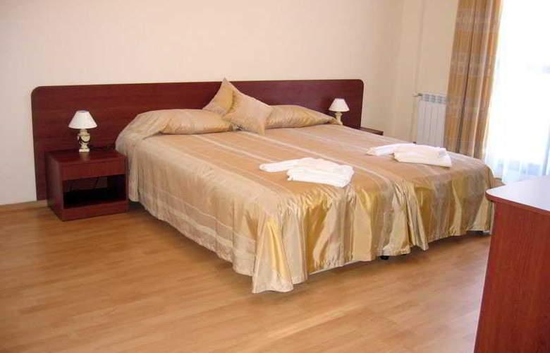 Persey Flora Apartments - Room - 2