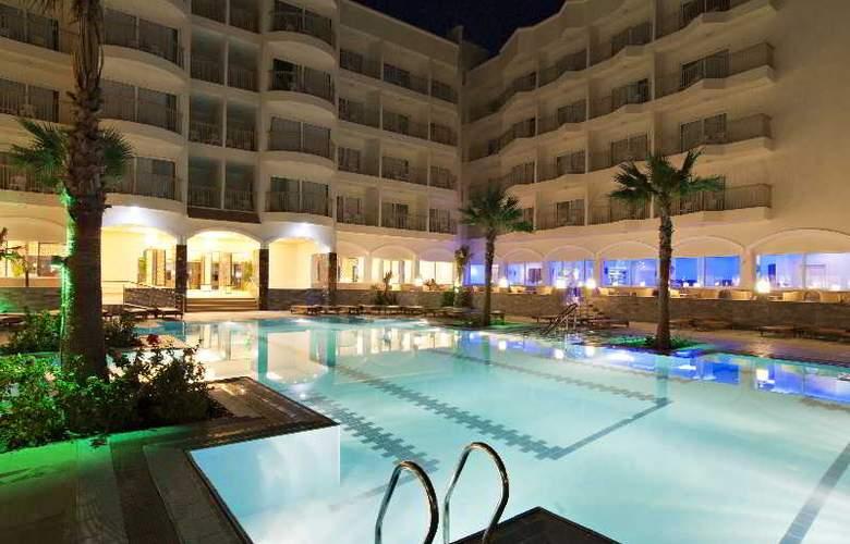 The Three Corners Royal Star Beach Resort - Pool - 25