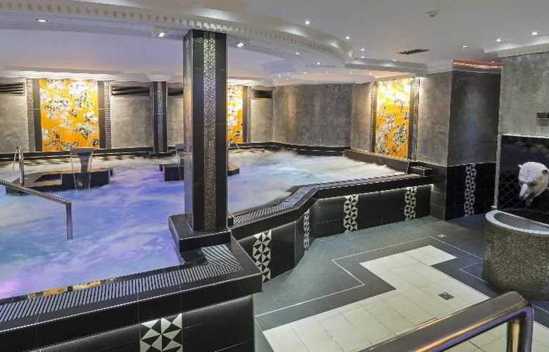 Diana Parc - Pool - 14