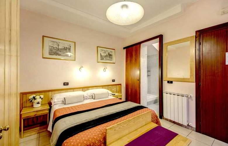 España - Room - 7