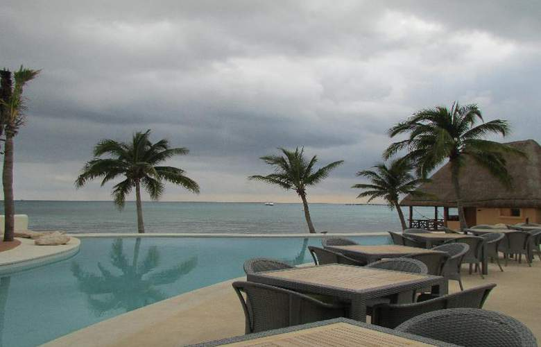 Mahekal Beach Resort - Pool - 24
