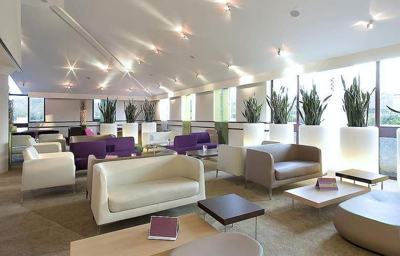 Novotel Stevenage - Bar - 34