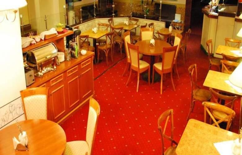 A1 Hotel - Restaurant - 17