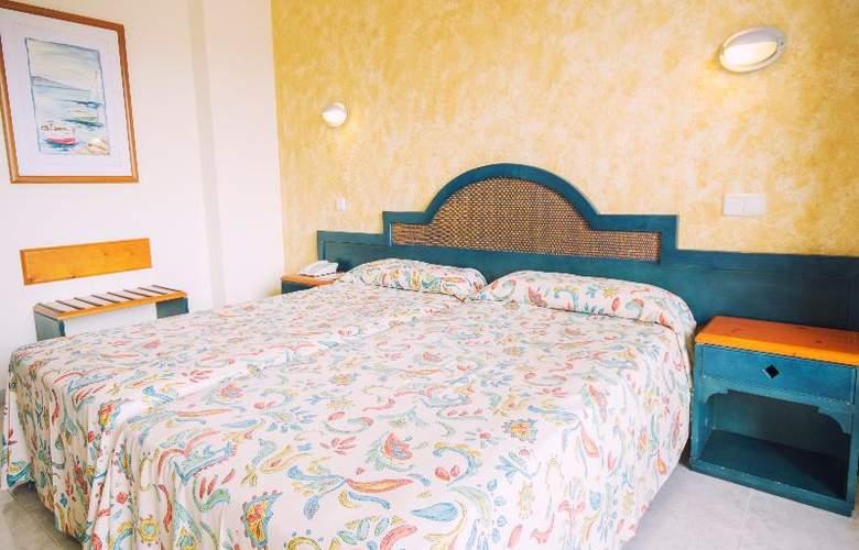 Azuline Coral Beach - Room - 16