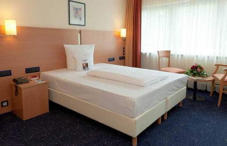 Best Western Plaza - Hotel - 0