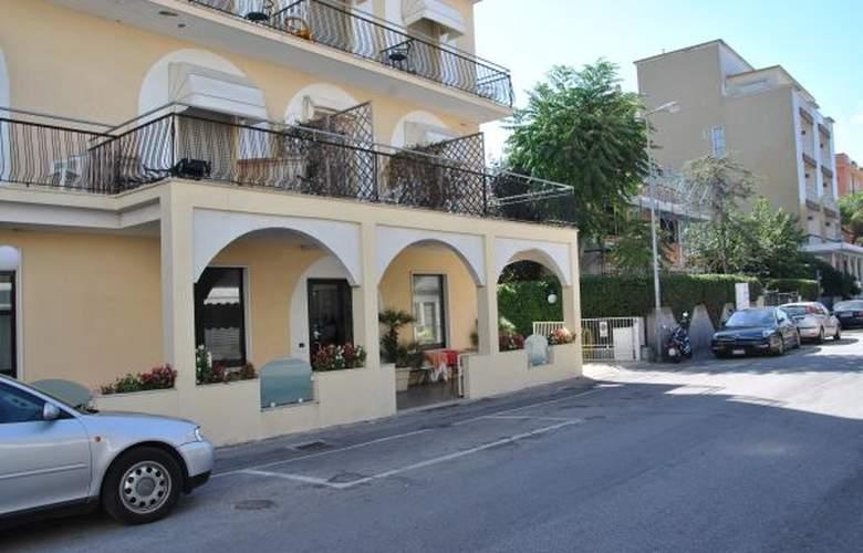 Villa Elisa - Hotel - 0